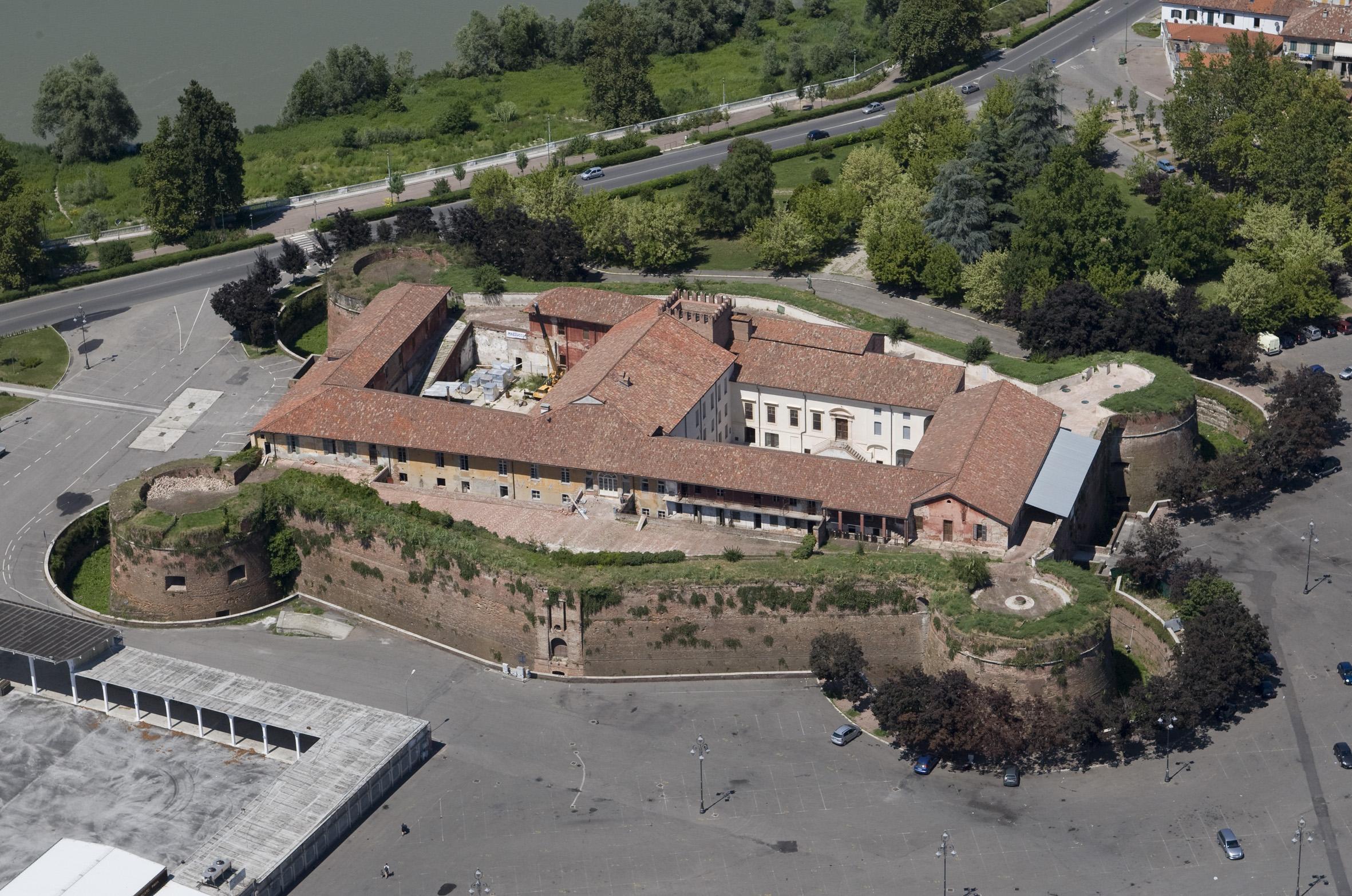 Mercatino dell 39 antiquariato e casale citt aperta - Mercato antiquariato casale monferrato ...