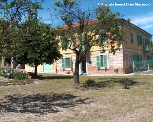 Tradizionale casa in tufo a Cerrina Monferrato