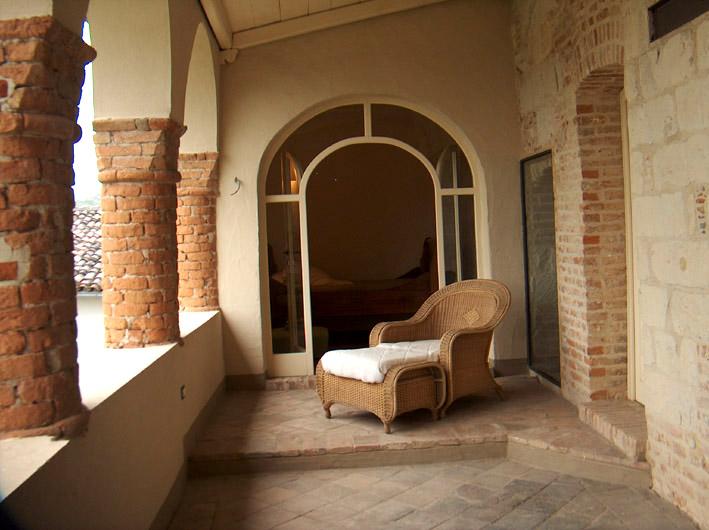 Casa ristrutturata ozzano monferrato rif 170 for Case di pietra del paese della collina del texas