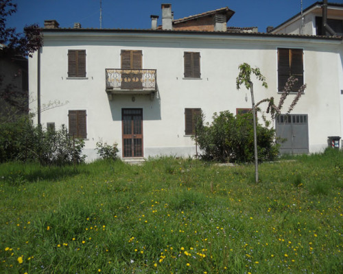 Casa bifamigliare a Cerrina