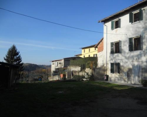 Mombello Monferrato casa poco impegnativa