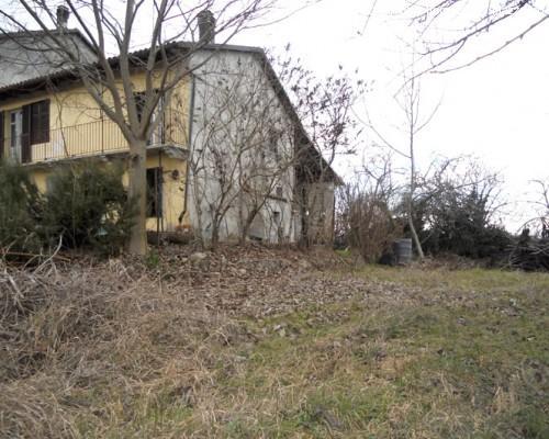 Cereseto casa di campagna in tufo