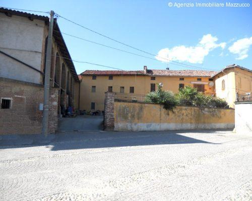 Montiglio Monferrato grande casa indipendente