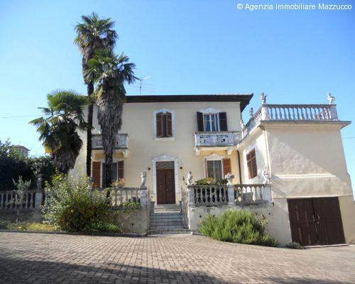 Casa signorile a Cerrina
