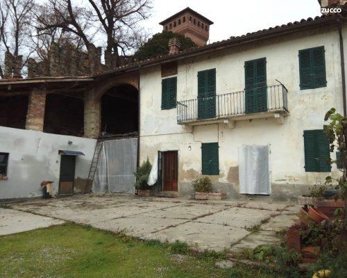 gabiano casa con cortile e orto